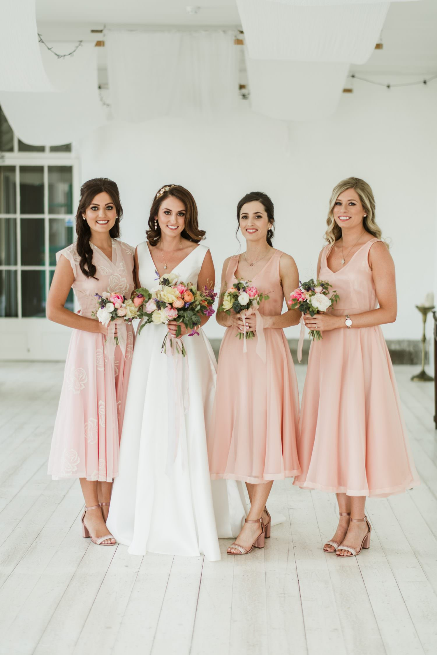 bridesmaids dress,bride,pink,
