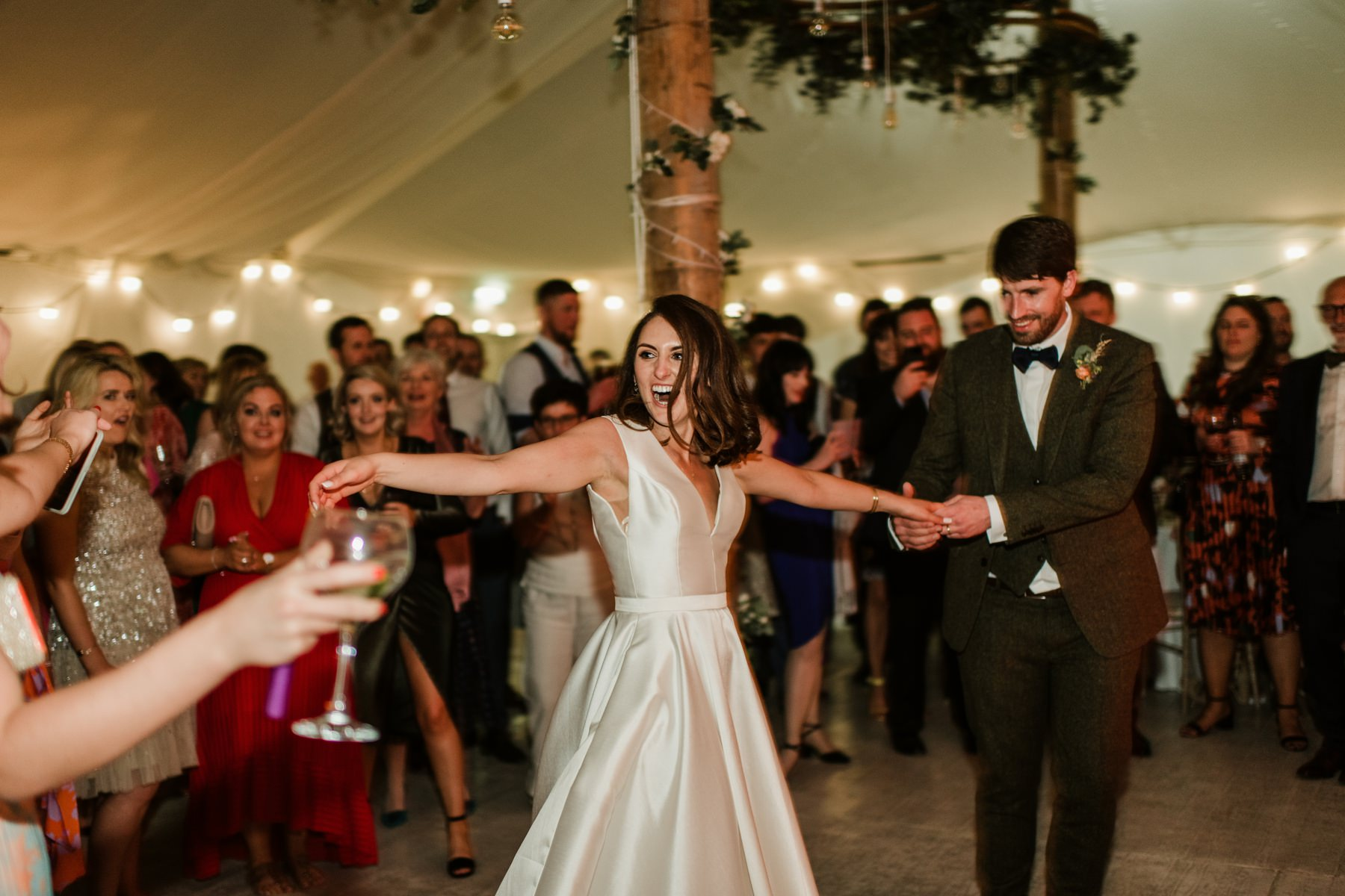 first dance, bride and groom,party ,