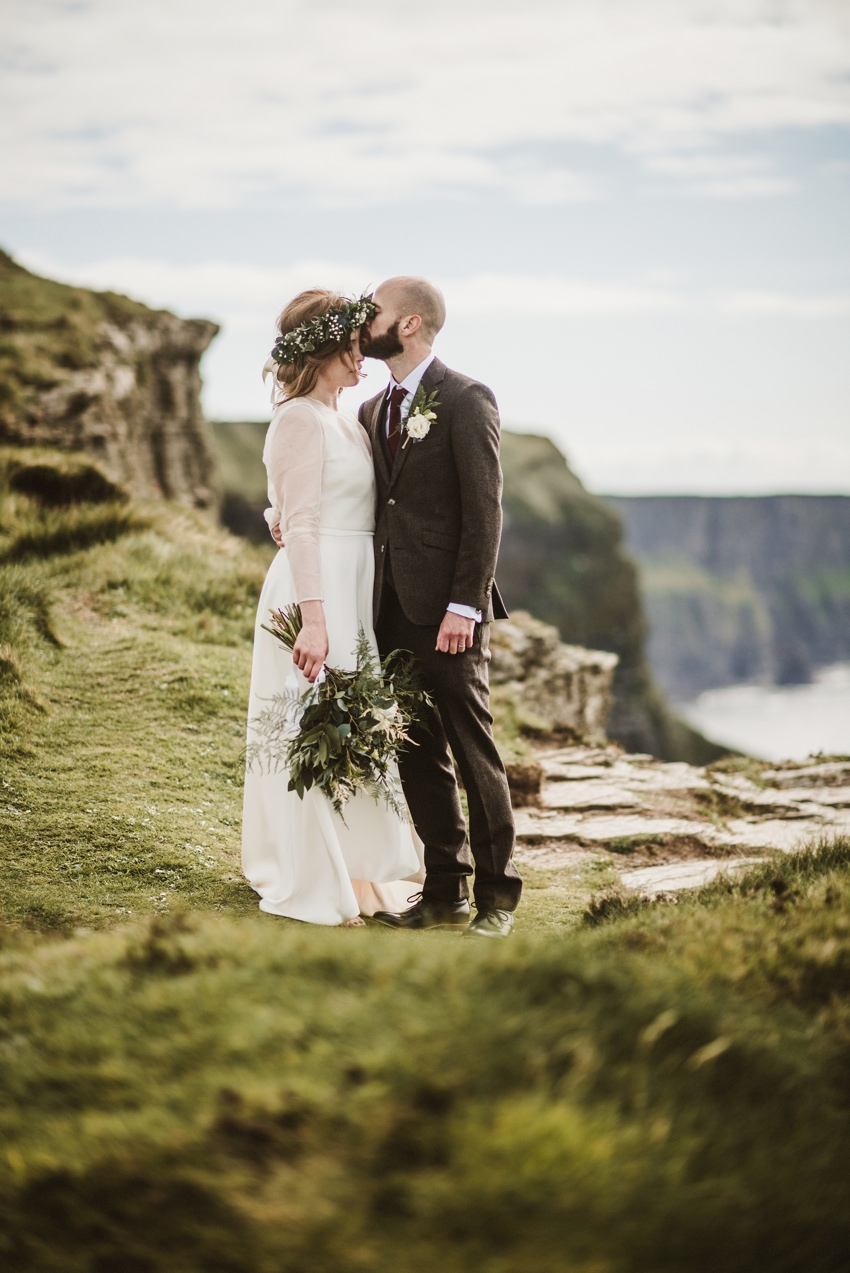cliffs of moher wedding ceremony
