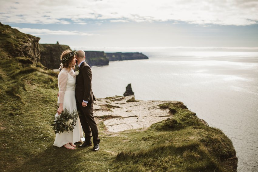 how to organize perfect ceremony at cliff of mohers