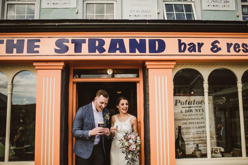 married couples in strand bar sligo irelandcouples
