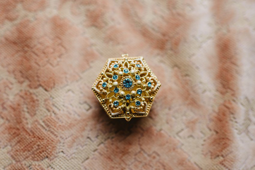 ring box, golden ring box,