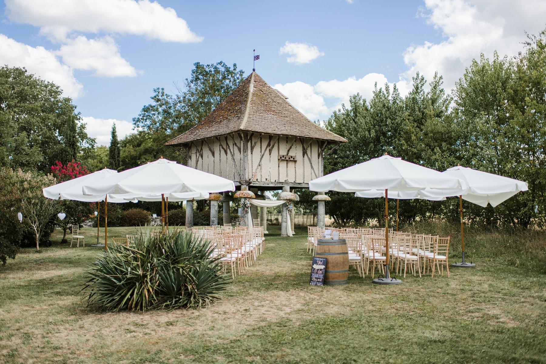 best wedding ceremony venue, LE MANOIR DU BOUT DU PONT,THE PIGEONNIER