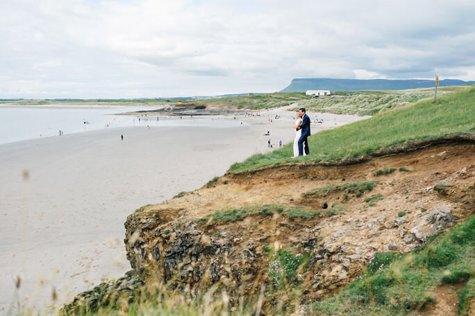 wedding couple with benbulben in background