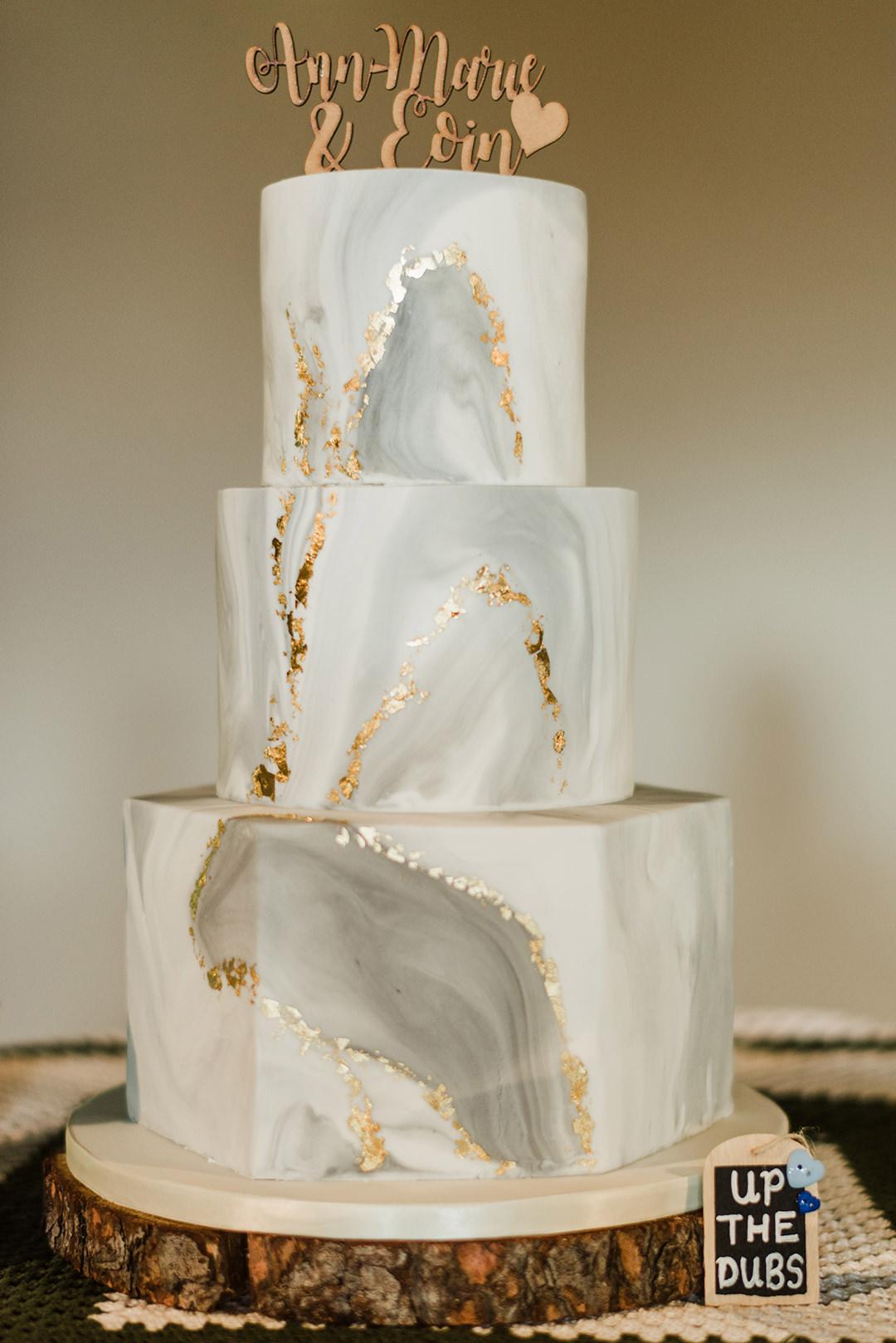 eco friendly wedding cake