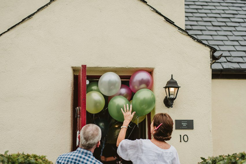 green and pink wedding baloons